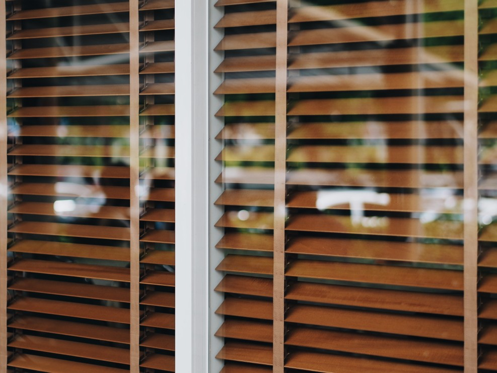 How-To-Keep-Your-White-Blinds-Clean